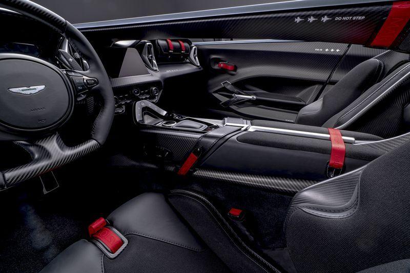 Aston_Martin_V12_Speedster_5-jpg