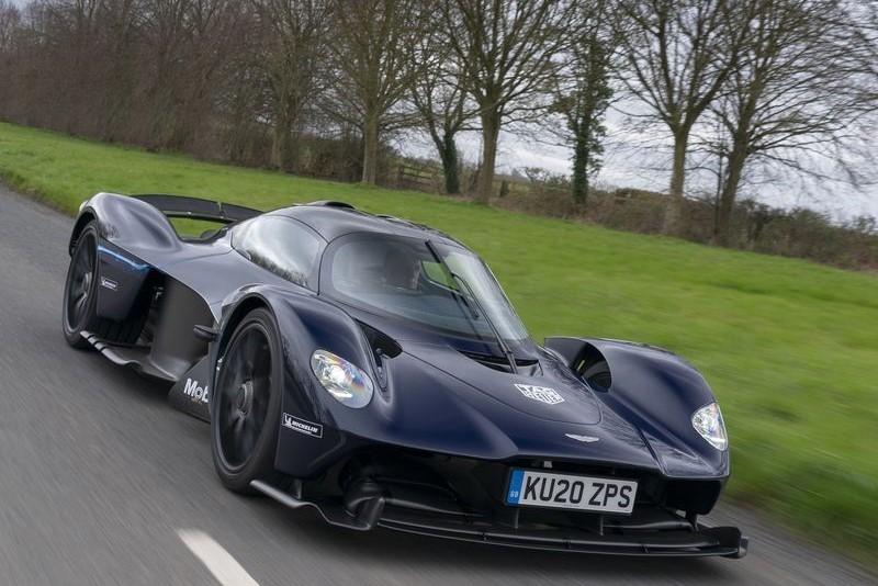Aston-Martin-Valkyrie-10