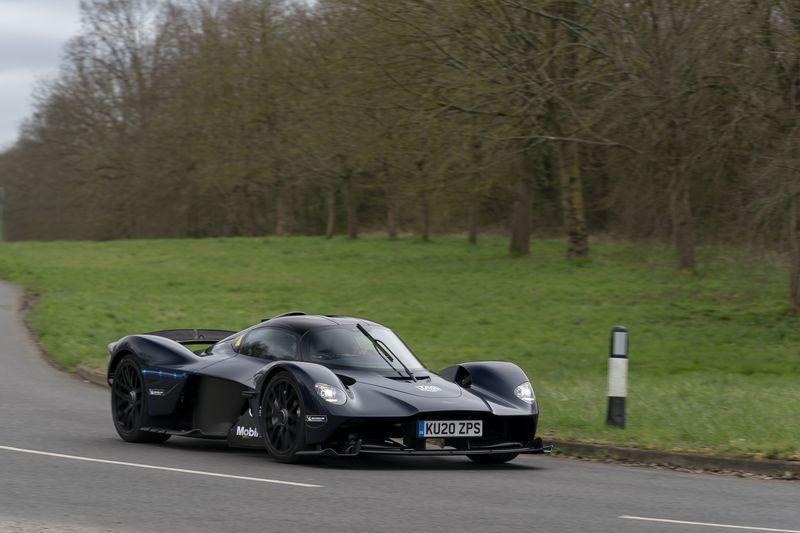 Aston-Martin-Valkyrie-5