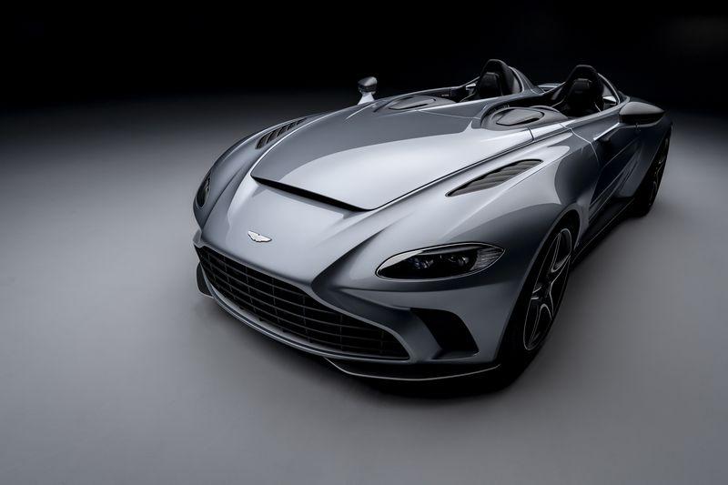 Aston_Martin_V12_Speedster