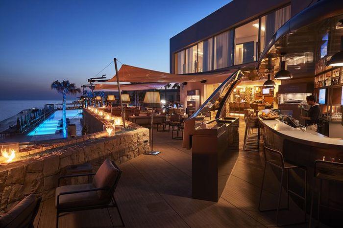 Pershing Yacht Terrace
